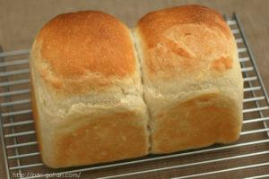 イーストの食パン